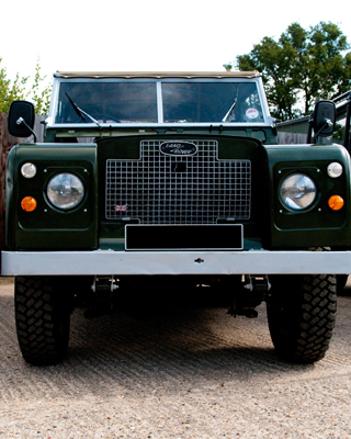 Restoration Range Rover Land Rover Repairs Berkshire Winkfield - NK4WD servicing and repairing Land Rovers Range Rovers Lorries Horseboxes Horse Trailers